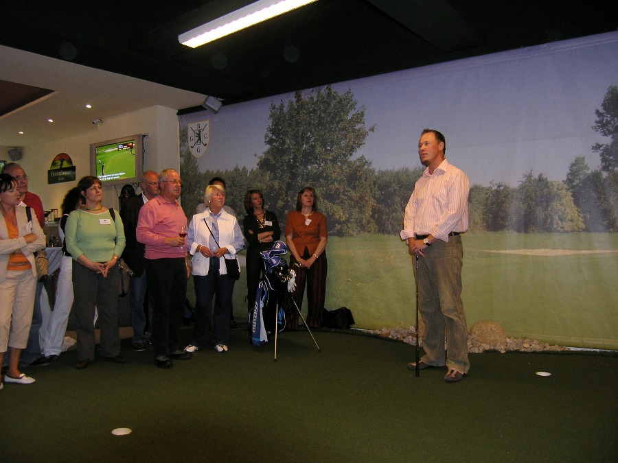 Indoor Golf02
